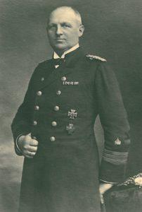 Max Schultz as Korvettenkapitän 1916.